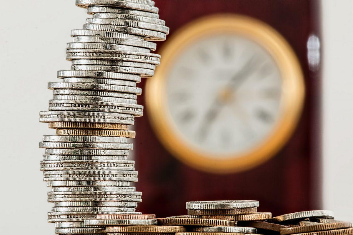 Wie kann man während der Trauung Geld sparen?